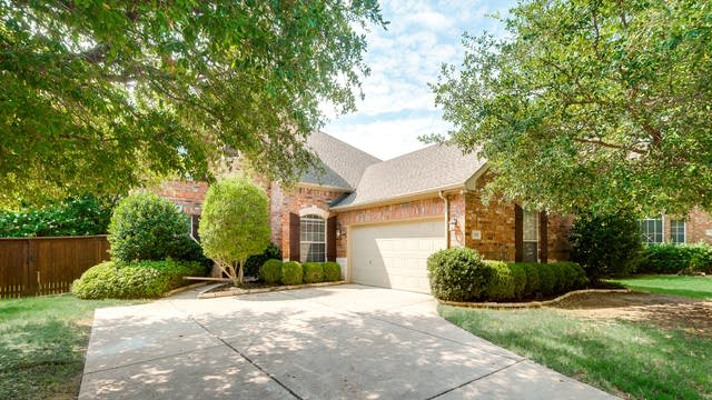 Photo 1 of 32 - 530 Lauren Ct, Keller, TX 76248