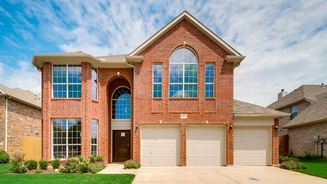 Photo 1 of 35 - 7828 Harvest Hill Rd, North Richland Hills, TX 76182