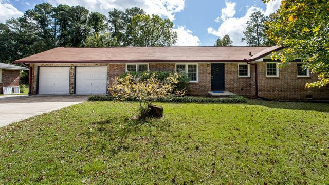 Photo 1 of 28 - 616 Verney Dr, Marietta, GA 30066