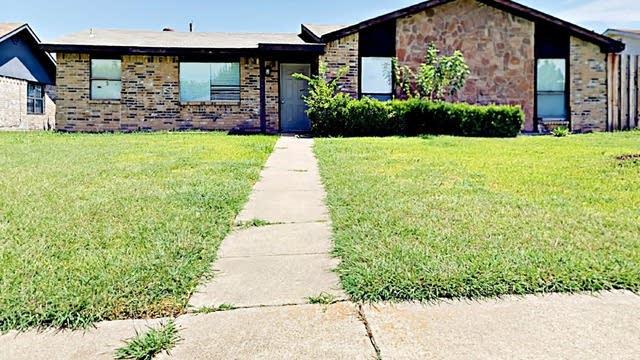 Photo 1 of 31 - 2602 Baylor Dr, Rowlett, TX 75088