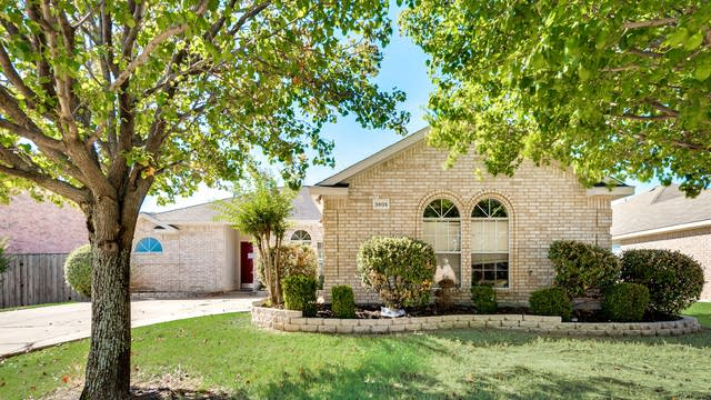 Photo 1 of 30 - 3805 Georgetown Dr, Sachse, TX 75048