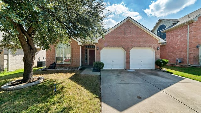 Photo 1 of 24 - 4766 Salmon Run Way, Fort Worth, TX 76137