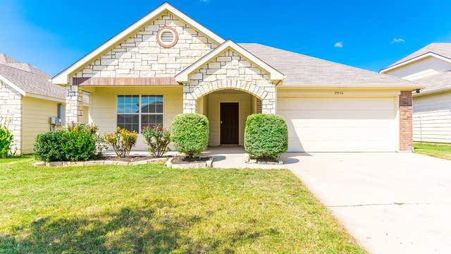 Photo 1 of 26 - 2916 Englefield Grn, Denton, TX 76207