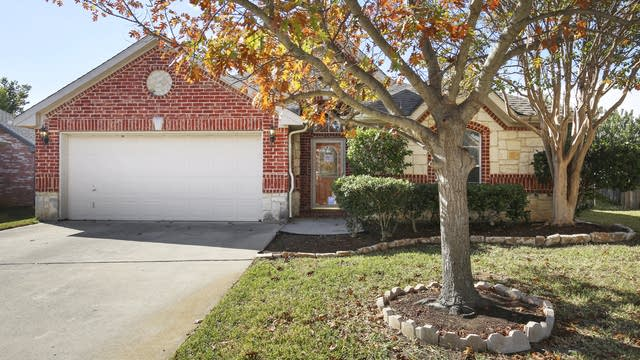 Photo 1 of 25 - 4800 Campfire Ct, Fort Worth, TX 76244