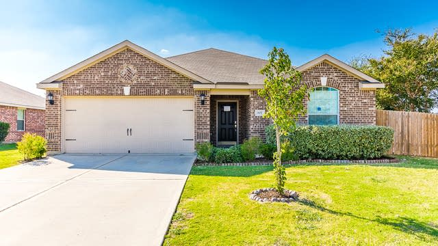 Photo 1 of 26 - 601 Preston Dr, Royse City, TX 75189