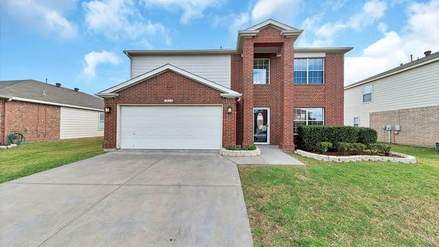 Photo 1 of 30 - 1416 Autumncrest Dr, Arlington, TX 76002