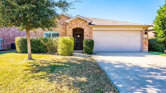 Photo 1 of 26 - 15905 Avenel Way, Fort Worth, TX 76177