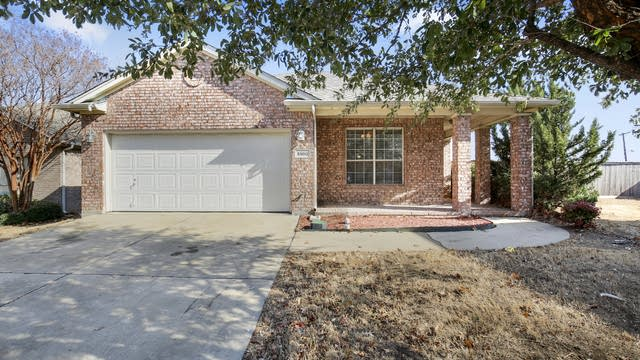 Photo 1 of 26 - 5900 Big Flat Dr, Fort Worth, TX 76131