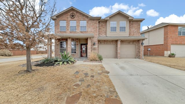 Photo 1 of 35 - 8432 Star Thistle Dr, Fort Worth, TX 76179