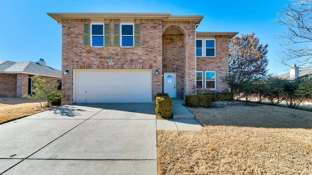 Photo 1 of 28 - 844 Cats Eye Dr, Fort Worth, TX 76179