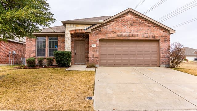 Photo 1 of 30 - 4429 Nature Dr, Fort Worth, TX 76244