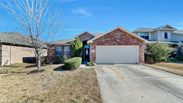 Photo 1 of 25 - 6040 Bronze River Rd, Fort Worth, TX 76179
