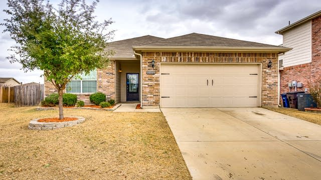Photo 1 of 25 - 3849 Cane River Rd, Fort Worth, TX 76244