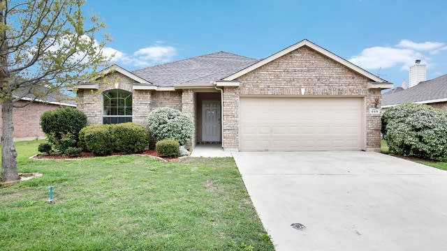 Photo 1 of 25 - 609 Destin Dr, Fort Worth, TX 76131