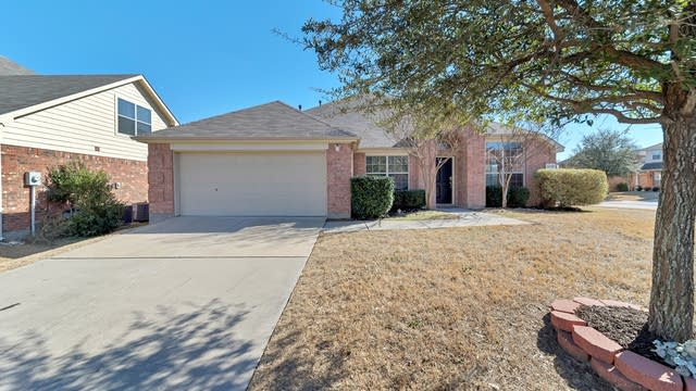 Photo 1 of 31 - 12220 Langley Hill Dr, Fort Worth, TX 76244
