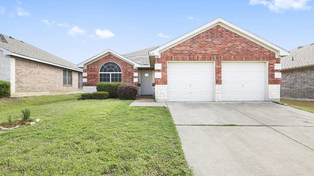 Photo 1 of 24 - 628 Owen Trl, Grand Prairie, TX 76010