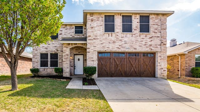 Photo 1 of 32 - 16408 Red River Ln, Justin, TX 76247