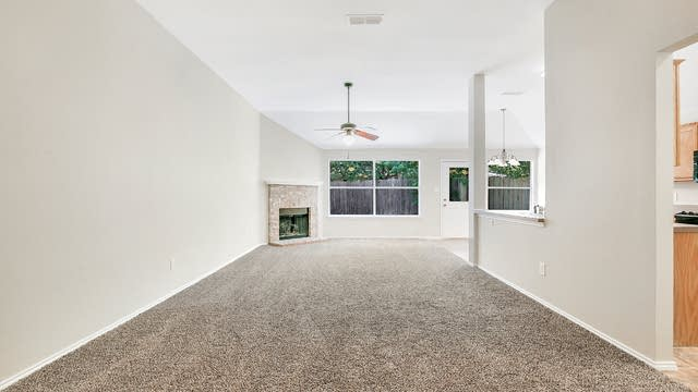 Photo 1 of 25 - 8333 Rain Forest Ln, Fort Worth, TX 76123