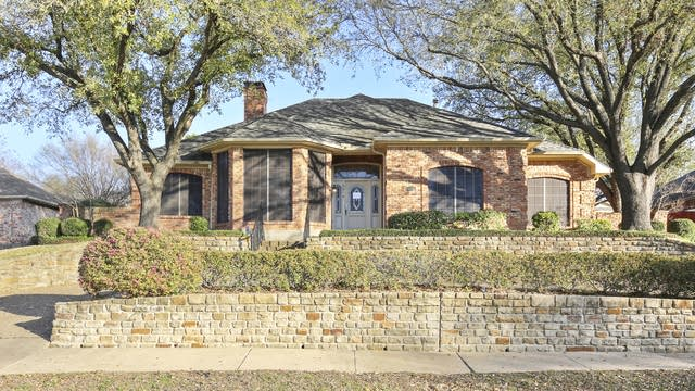 Photo 1 of 24 - 2414 Club Creek Blvd, Garland, TX 75043