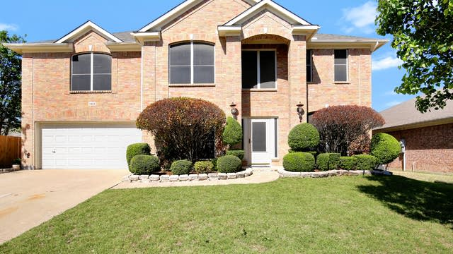 Photo 1 of 27 - 8428 Rock Creek Dr, Fort Worth, TX 76123