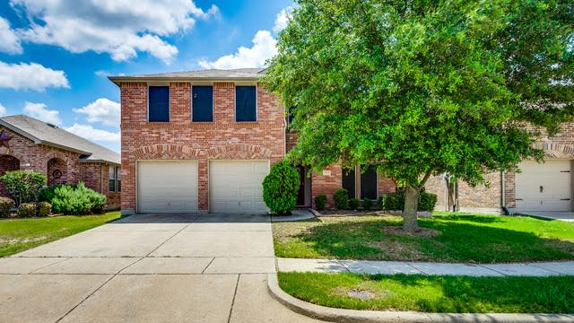 Photo 1 of 33 - 1021 Kimbro Dr, Forney, TX 75126