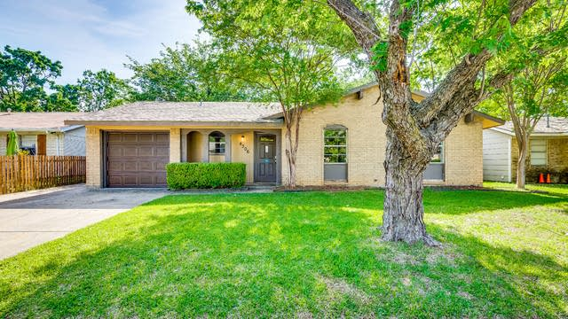 Photo 1 of 26 - 4306 Linda Ln, Balch Springs, TX 75180