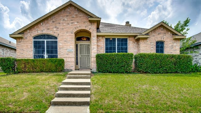 Photo 1 of 27 - 1205 Christa Dr, Mesquite, TX 75149