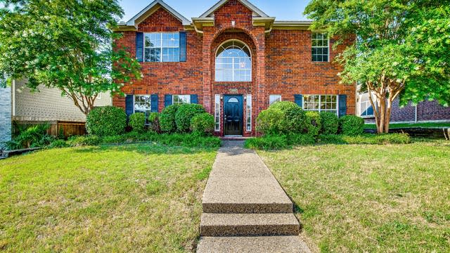Photo 1 of 31 - 2310 Woodglen Dr, Garland, TX 75040