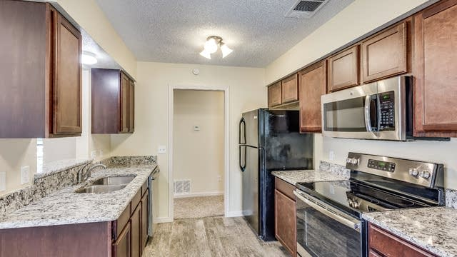 Photo 1 of 27 - 504 Kylie Ln, Wylie, TX 75098