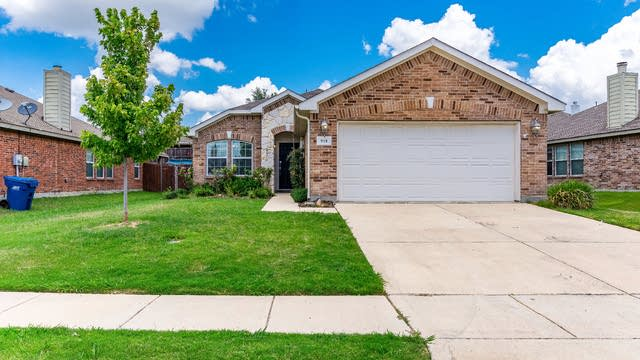 Photo 1 of 25 - 918 Johnson City Ave, Forney, TX 75126
