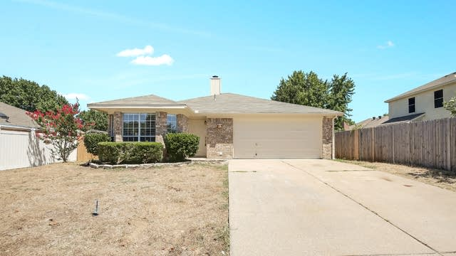 Photo 1 of 24 - 8567 Garden Springs Dr, Fort Worth, TX 76123