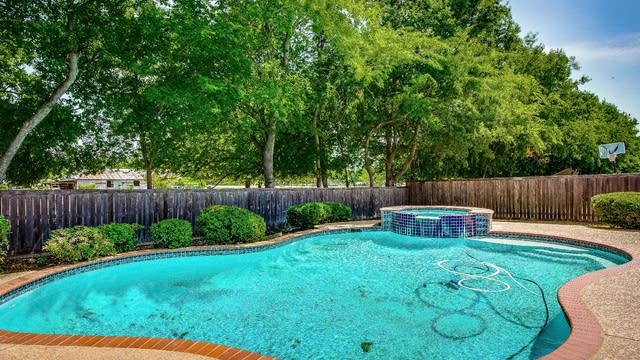 Photo 1 of 34 - 1013 Larkspur Dr, Allen, TX 75002