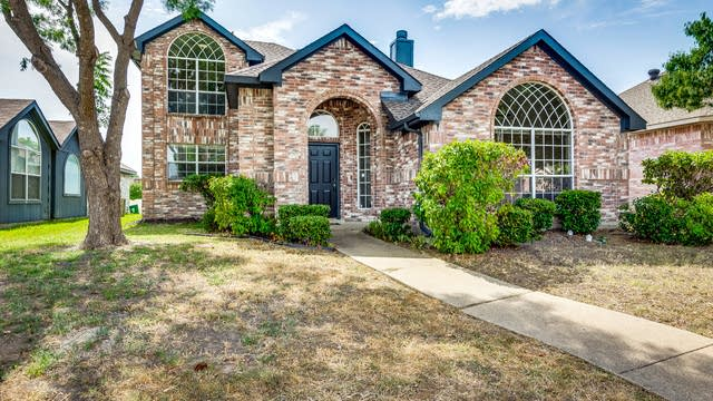 Photo 1 of 27 - 1333 Clear Creek Dr, Mesquite, TX 75181