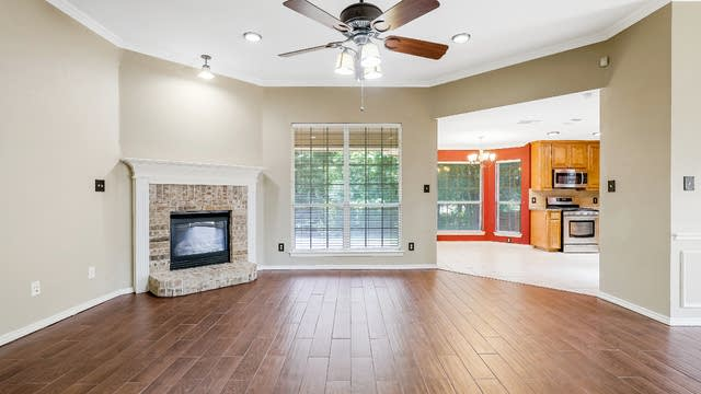 Photo 1 of 30 - 723 Biscayne Dr, Mansfield, TX 76063