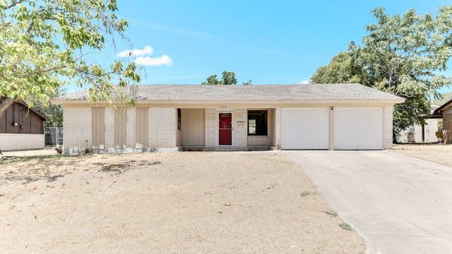 Photo 1 of 24 - 3900 Cresthill Rd, Benbrook, TX 76116