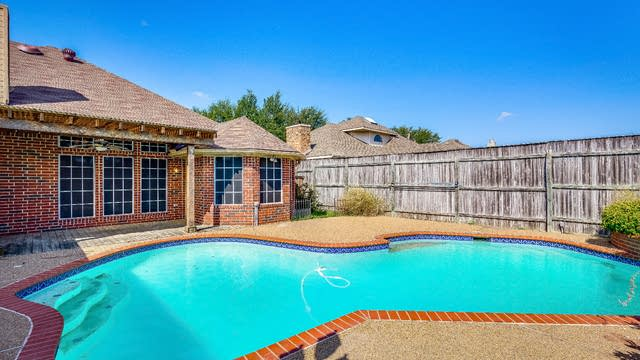 Photo 1 of 20 - 6614 Falcon St, Rowlett, TX 75089