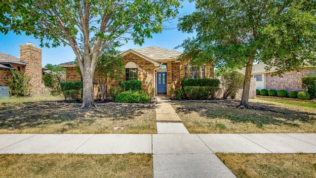 Photo 1 of 25 - 991 Downey Dr, Lewisville, TX 75067