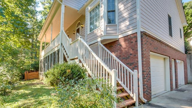 Photo 1 of 26 - 208 Brentwood Ct, Woodstock, GA 30188