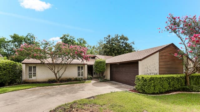 Photo 1 of 22 - 810 S Lincoln Dr, Duncanville, TX 75137