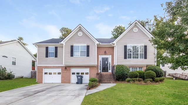 Photo 1 of 25 - 1630 Bramlett Forest Trl, Lawrenceville, GA 30045