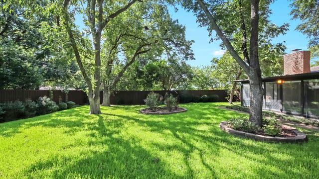Photo 1 of 25 - 5705 Wedgmont Cir N, Fort Worth, TX 76133