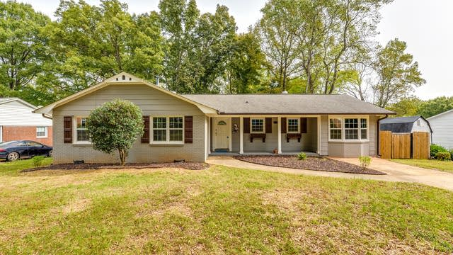 Photo 1 of 21 - 4101 Larkspur Ln, Charlotte, NC 28205