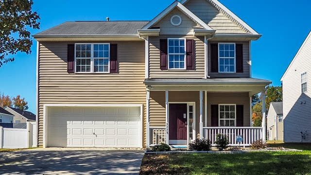 Photo 1 of 17 - 3138 Rendezvous Dr, Raleigh, NC 27610