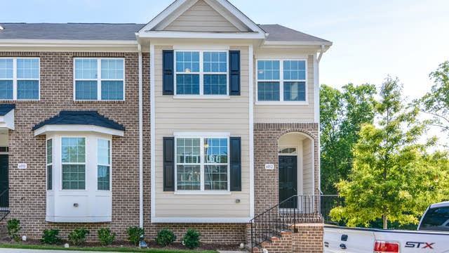 Photo 1 of 24 - 6012 Kentworth Dr, Holly Springs, NC 27540
