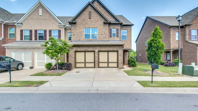 Photo 1 of 29 - 2125 Greencrest Cir, Alpharetta, GA 30004