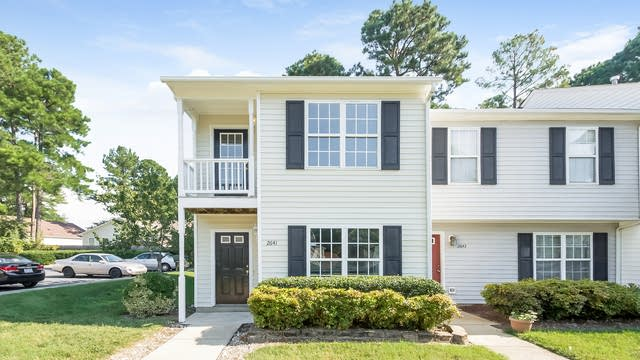 Photo 1 of 25 - 2641 Dwight Pl, Raleigh, NC 27610