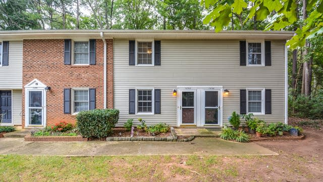 Photo 1 of 11 - 1248 Jamestown Ct, Cary, NC 27511
