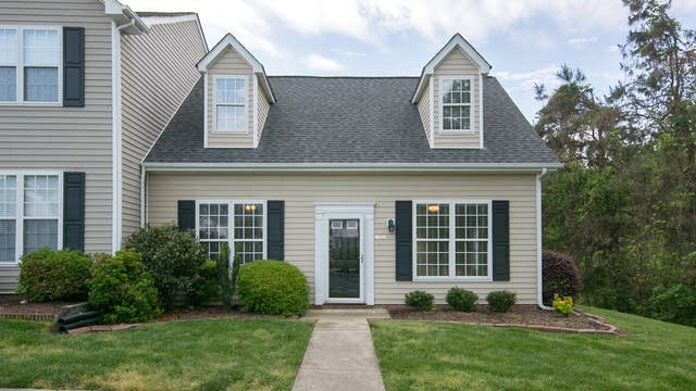 Photo 1 of 18 - 9000 Hillcross Ct, Raleigh, NC 27615