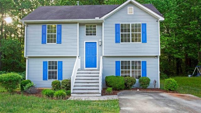 Photo 1 of 17 - 3415 Lineview Dr, Ellenwood, GA 30294