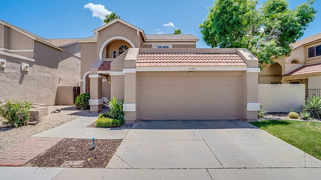 Photo 1 of 18 - 445 E Kristal Way, Phoenix, AZ 85024